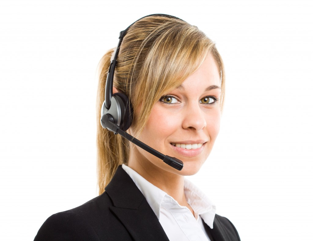 an customer services executive on call with client